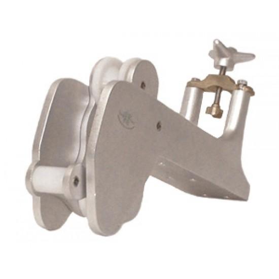Puntera de proa basculante con trinco 390x89mm